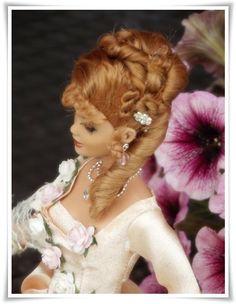 Angelique en écru - Ma maison de poupée Michele Mercier, Olivia Hussey, Bags Sewing, Barbie Hair, Dream Doll, Barbie Friends, Marie Antoinette, The Good Old Days, Princess Zelda