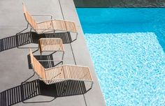 @extremis lounge chairs next to the pool, what more could you want? A shade umbrella maybe..