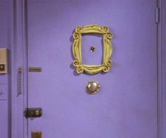 Get one step closer to having your place look like Monica and Rachel's with this Friends yellow peephole frame replica. The whimsical design and bright color complement any door, making this an ideal gift for any fan of the iconic show.