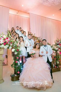 Courteous simplified quinceanera party decorations Count me in! Quinceanera Court, Quinceanera Planning, Quinceanera Decorations, Quince Decorations, Themes For Quinceanera, Quince Pictures, Mexican Quinceanera Dresses, Sweet 15 Dresses, Quinceanera Photography