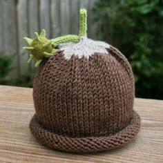 love this conker hat Knitting For Kids, Baby Knitting, Knitted Headband, Knitted Hats, Conkers, Autumn Crafts, Nicu, Baby Hats, Yorkie