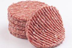 Des steaks hachés vendus dans les magasins Cora et Thiriet, ainsi que des burgers Auchan ont été retirés de la vente lundi 10 octobre. Ces produits seraient contaminés par une bactérie E. coli.