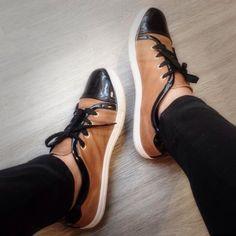 Tienen cosas increíbles, los tenis son lo máximo, acá un poco usados pero me encantan! Son de Turquise la encuentras en instagram. Made in Colombia #industricolombiana #Industria 100% #colombiana #madeincolombia #bogota #medellin #shoes #tenis #bags #bolsos #zapatos #apoyando #colombia