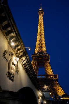 Paris www.tektonministries.org #catholicpilgrimages #tekton