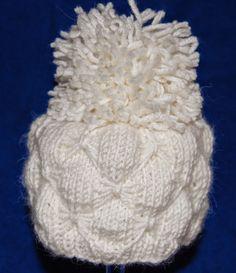 kutominen, virkkaus, askartelu Crochet Baby Poncho, Hobbies And Crafts, Beanie, Throw Pillows, Hats, Knitting Ideas, Fashion, Long Scarf, Turbans