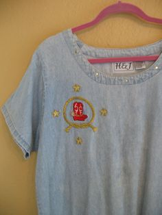80s stonewash tunic dress, loose, Size XL, with appliques of bright red boots, lasso and gold stars.   Cowgirl bling. Comfy cotton tunic,