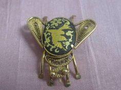 shopgoodwill.com: Desiner Gold Fly Pin