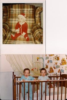 Well ok then. Scott Brothers - The Early Years. you can tell which is which I think its probably Jonathan smiling great big Jonathan Scott, Drew Scott, Scott Brothers, Twin Brothers, Hgtv Property Brothers, Celebrity Twins, Family Set, Best Day Ever, Handsome