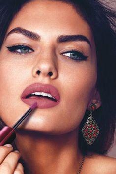 Mauve lips or kylie Jenner lips