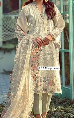 Pakistani Dresses Online Shopping, Online Dress Shopping, Fashion Pants, Fashion Dresses, Pakistani Lawn Suits, Add Sleeves, Addition Worksheets, Math Addition, Lawn Fabric
