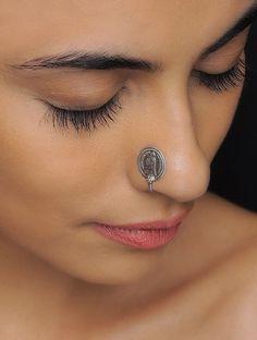 Nose Piercings Tips Piercings - Nose piercings tips , tipps für nasenpiercings , conseils de piercings de nez , punt - Fake Piercing, Nose Piercing Tips, Ear Piercings, Piercing Ideas, Peircings, Nose Ring Jewelry, Jewelry Rings, Silver Nose Ring, Nose Ring Stud