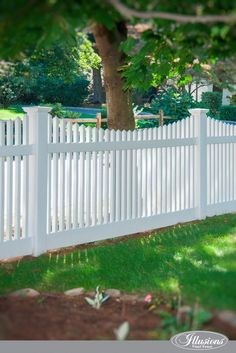 Who Makes the Best White Vinyl Fence? Illusions Vinyl Fence of Course! Are you shopping for white vinyl fence and wonder which brand you should choose? Vinyl Picket Fence, White Vinyl Fence, Wooden Fence Panels, White Picket Fence, Metal Fence, Wood Fences, Fence Stain, White Fence, Bamboo Fence