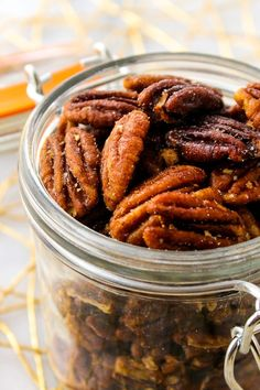 These Honey Roasted Pecans use simple ingredients and take less than 20 minutes to roast! Honey Roasted Pecans, Roasted Nuts, Toasted Pecans, Pecan Recipes, Snack Recipes, Honey And Cinnamon, Oven Roast, Healthy Snacks, Blackberry