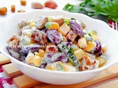 Salad with beans and crackers: recipe with photo My Recipes, Cooking Recipes, Breakfast Pizza, Comfort Food, Russian Recipes, Food Photo, Potato Salad, Easy Meals, Good Food