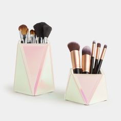 Beautify Set of 2 Holographic Makeup Brush Holders – Mirrored Cosmetic Storage Organiser Pots for Tabletop or Dressing Table – Vanity Beauty Brush Holder Dressing Table Storage, Dressing Table Vanity, Storage Stool, Cosmetic Storage, Makeup Storage, Makeup Organization, Holographic Makeup, Beauty Brushes