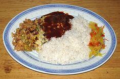 Foo Young Hai, met saus, witte rijst, gebakken uitjes an atjar tjampoer. Bereid door de Happy Chief Cook.