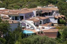 Offerta di Pasqua a Baja Sardinia: 3 notti/4 giorni in mezza pensione a partire da €135 a persona o in pensione completa a partire da €204 a persona! Per informazioni Tel 070.684560