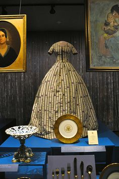Another Smithsonian Mary Todd Lincoln dress.