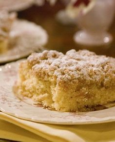 Recipe For New York Crumb Cake - New York Crumb Cake is quite a popular item! Crumbly and sweet, this cake is the perfect partner for a good cup of coffee.