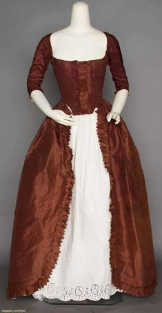 AUBERGINE ROBE A L'ANGLAISE, LATE 18TH C Fine silk faille, draw-string neckline, elbow L narrow sleeves, skirt w/ ruched trim