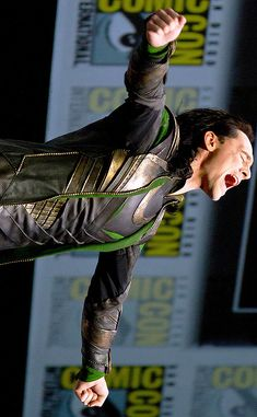 "Tom Hiddleston as Loki: ""Say my name !"" at San Diego Comic-Con 2013 Loki Avengers, Marvel Actors, Loki Thor, Tom Hiddleston Loki, Marvel Characters, Marvel Movies, Marvel Avengers, Avengers Movies, Thomas William Hiddleston"