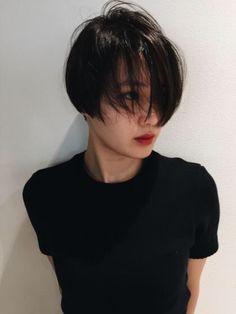 帥氣短髮 Pixie Hairstyles, Short Hairstyles For Women, Haircuts, Very Short Hair, Short Hair Cuts, Shot Hair Styles, Curly Hair Styles, Androgynous Hair, Bob Hair Color