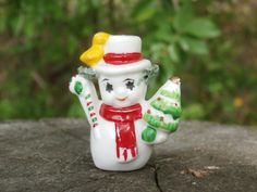 Spaghetti Trim Snowman with Tree Miniature Bone China Figurine - he has the cutest starry eyes!
