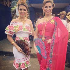 |#SomosCalleAbajo  S.R.M. Luz Beatriz Spiegel Chiari y S.A.R. María del Carmen Simons Díaz en el Concurso Nacional de La Pollera 2017  #FNP2017 #FestivalDiamante #LasTablas #GranDiosa #Resplandeciente