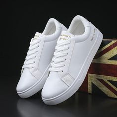""""""""""" Sneakers Men Vans Urban Outfitters 44 Ideas For 2019 """""""" Zapatillas Hombre Vans Urban Outfitters 44 Ideas para 2019 """""""" White Shoes Men, White Casual Shoes, Casual Sneakers, Sneakers Fashion, Fashion Shoes, Sneakers Women, White Sneakers, White Shoes Outfit, Shoes Women"""