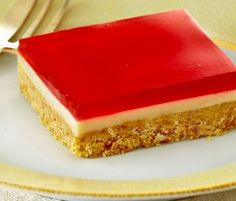 Jelly Squares: Wibble Wobble jelly squares with a crumbly biscuit base!. http://www.bakers-corner.com.au/recipes/slices/jelly-squares-2/