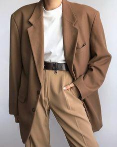 Suit Fashion, Look Fashion, Korean Fashion, Fashion Outfits, Daily Fashion, Winter Fashion, Fashion Tips, Mode Ootd, Parisienne Chic