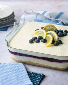 Blueberry Lemon Delight - This blueberry lemon delight might be my new favorite summer dessert. Also known as a Make Ahead Desserts, Great Desserts, Frozen Desserts, Summer Desserts, No Bake Desserts, Delicious Desserts, Summer Recipes, Lemon Dessert Recipes, Lemon Recipes