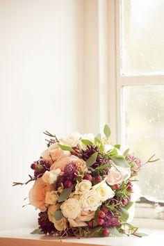 I was so happy wih my beautiful wedding flowers #wedding #bouquet #flowers #winter #berries #cones #cinnamon