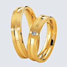 Verighete din aur galben cu briliante. Cu interiorul bombat, pentru un confort maxim la purtare. Gold Rings, Aur, Wedding Rings, Rose Gold, Engagement Rings, Weeding, Bracelets, Interior, Silver