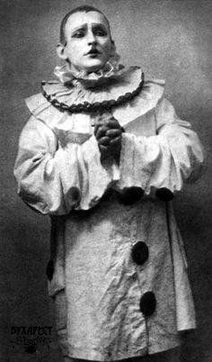 Vintage Circus Clown. Pagliacci-Alexander Vertinsky.