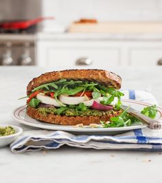 15 Lunches to Bring With You to Work, Because Eating at Your Desk Should Never Be Boring