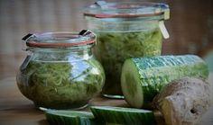 Okurková marmeláda se zázvorem Simply Recipes, Healthy Drinks, Pickles, Cucumber, Detox, Mason Jars, Diy And Crafts, Food And Drink, Herbs