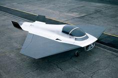 Marc Newson - Kelvin40 Concept Jet  2003 - Fondation Cartier pour l art contemporain