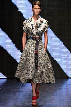 2015 NEW YORK RUNWAY   Donna Karan, New York Fashion Week, Frühjahr-/Sommermode 2015 - VOGUE