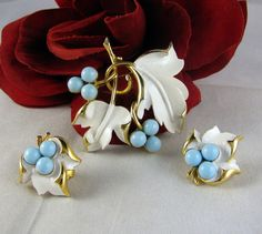 Vintage Sarah Coventry Teal & White Leaf Pin & Earrings  Set FERAL CAT RESCUE