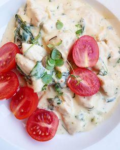 (@martina lchf lowcarb) Middag idag var ostig värre. Krämig parmesan och spenat kyckling-gryta- hur god som helst och värd att repeteras 😍