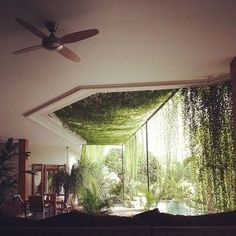 Happy Hanging House Plants (From Moon to Moon) With # Hanging plants the home becomes … Patio Interior, Interior And Exterior, Interior Livingroom, Architecture Design, Natural Architecture, Concept Architecture, House Goals, Life Goals, Hanging Plants