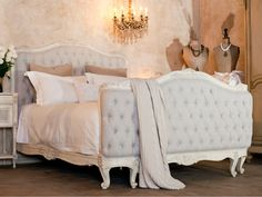 Tufted Bed Old Cream