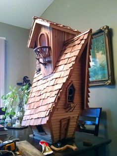 Bird House Plans 681099143623330036 - Funky Birdhouse Source by Bird Houses Painted, Bird Houses Diy, Painted Birdhouses, Fairy Tree Houses, Fairy Garden Houses, Homemade Bird Houses, Birdhouse Designs, Diy Birdhouse, Bird House Plans