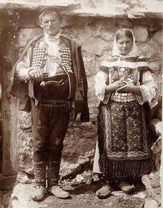 YU - Hrvatska - 1930' - narodna nošnja Srba iz sela Obrovac.