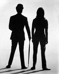 Patrick Macnee de John Steed et Diana Rigg de Emma Peel in The Avengers 25x20cm Photographie en noir et blanc: Amazon.fr: Cuisine & Maison