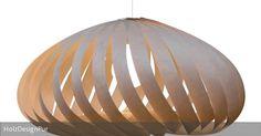 Elegante Pendellampe aus naturbelassenem Birkenholzfurnier für Wohnzimmer oder über dem Essbereich..