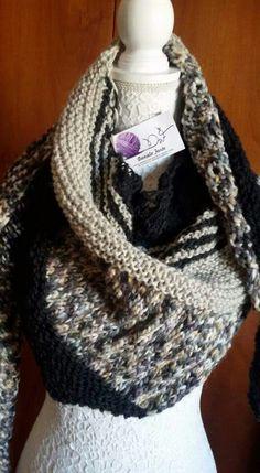 Scialle /stola in pura lana con più filati e trafori