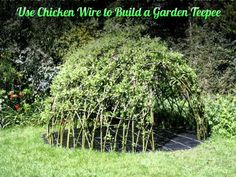 How to Use-Chicken-Wire-to-Build-a-Garden-Teepee tutorial #diy, #gardening, #teepee