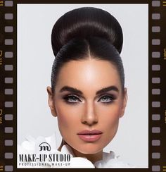 Going to the Chapel baby? Our makeup artists creates fantastic bride looks, including a trial makeup. Also on location! #trouwen #bruidsmakeup #wedding #makeupstudio